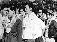 Japanese American volunteers arrive at Schofield Barracks