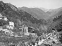 92nd Infantry Division pursues Germans through Po Valley, Italy